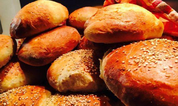 Burger Buns Rezept - Brioche Burger Buns selber machen